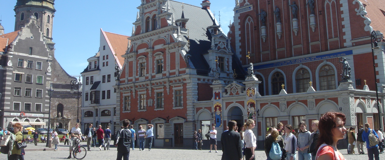 Stort pengeforbruk, Suiter og Strippeklubber, ja da er du i Riga