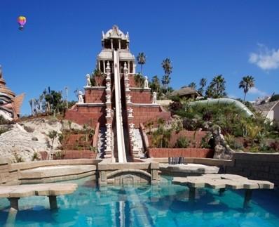 En av verdens største vannparker på Tenerife